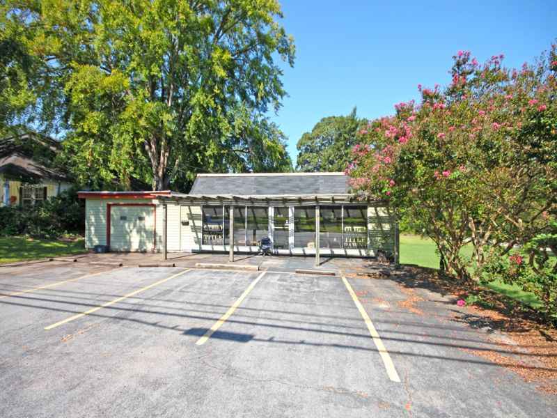 Commercial Building & Extra Lot : Perry : Houston County : Georgia