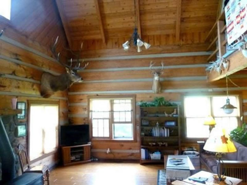 Awesome Log Home On 44 Acres : Spring Green : Sauk County : Wisconsin