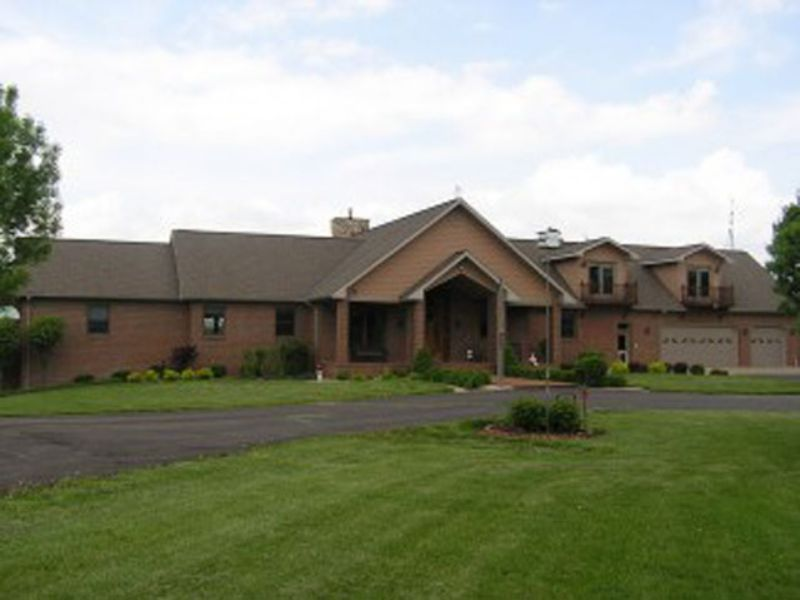 740 Ac. Amazing Home And Hunting : Nebo : Pike County : Illinois