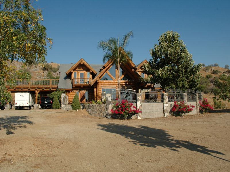 Log Home On 80 Acres Live Auction : Porterville : Tulare County : California