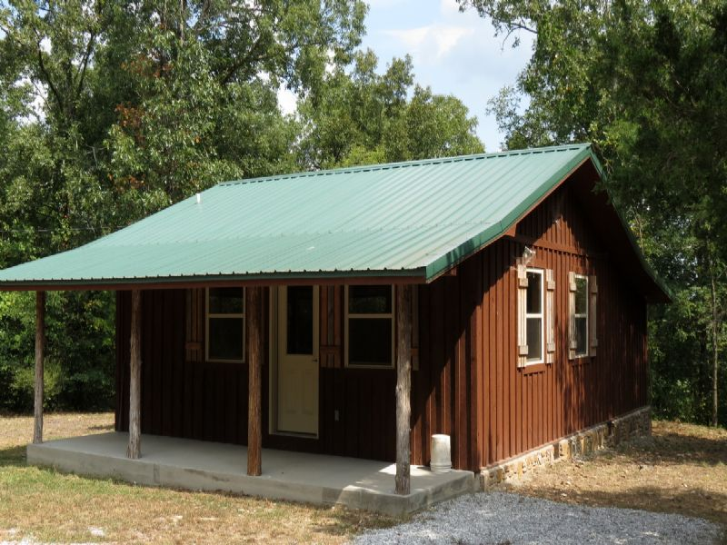 Little Cabin In The Woods : Mountain View : Stone County : Arkansas