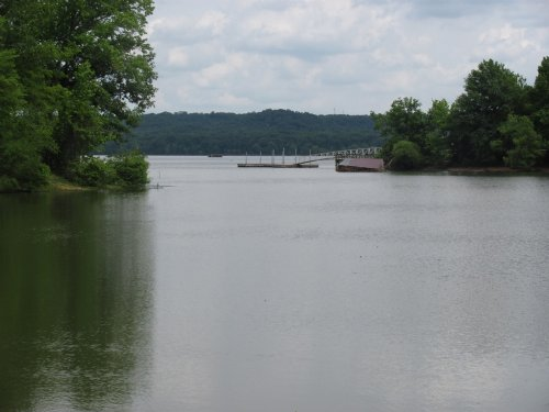 3 Acres Waterfront On Tn River : Eva : Benton County : Tennessee