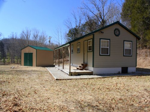95 Acres With Hunting Retreat : Linden : Perry County : Tennessee