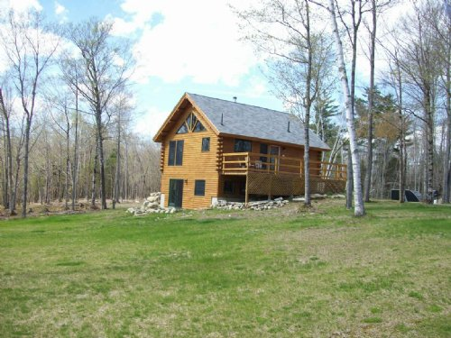 Log Home On 85 Acres : Belfast : Waldo County : Maine
