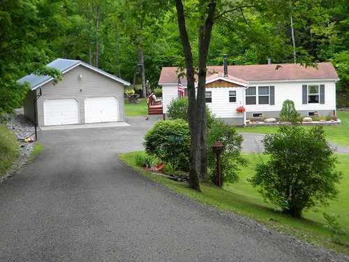New York Country Home On 5 Acres : Lapeer : Cortland County : New York