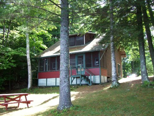 Classic Maine Cottage : St. Albans : Somerset County : Maine