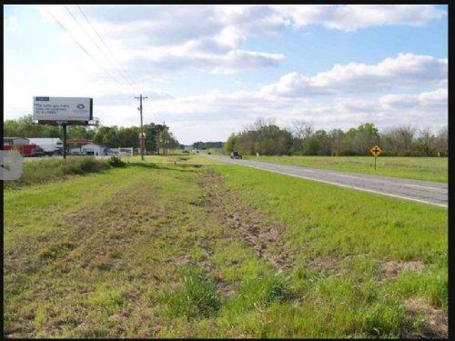 251 North Hwy 87 Bypass : Cochran : Bleckley County : Georgia