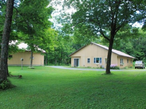 House Barn Annsville Ny Fish Creek : Annsville : Oneida County : New York