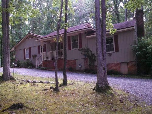Farmville Lake Retreat : Farmville : Prince Edward County : Virginia