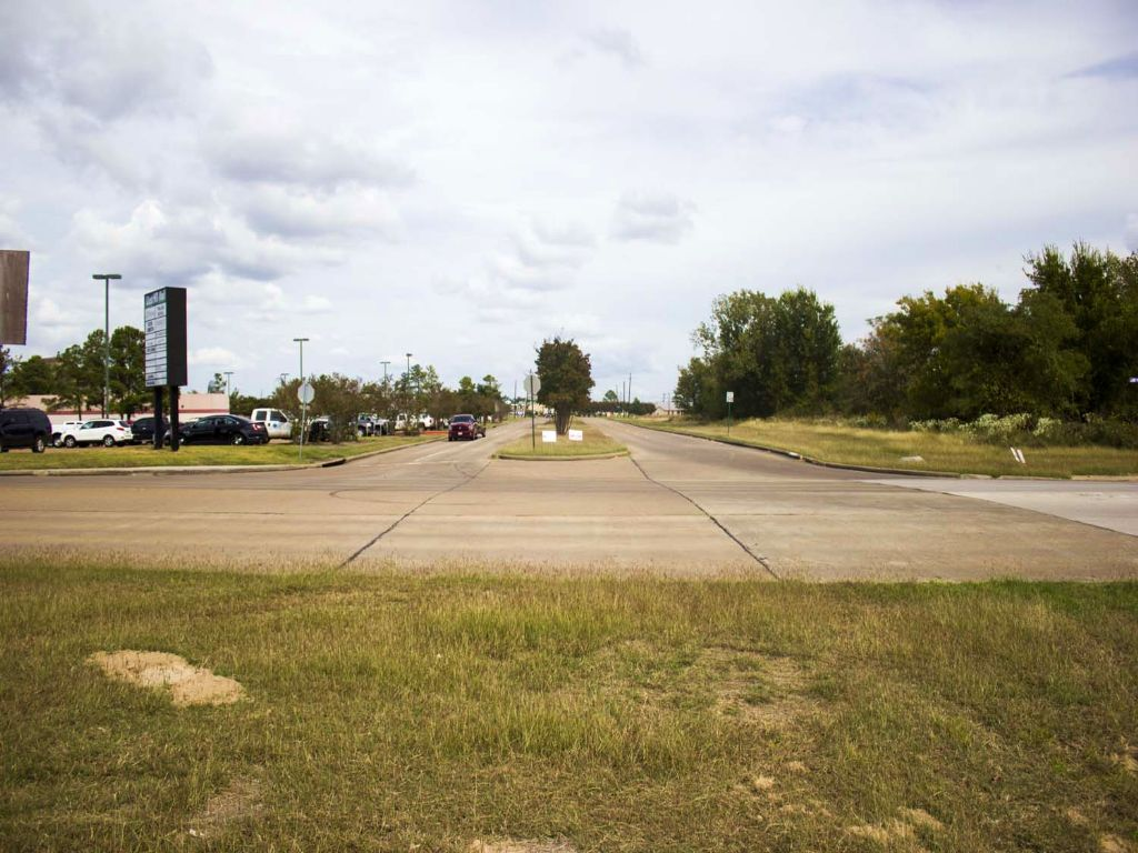 1.63 Ac Veterans Memorial : Huntsville : Walker County : Texas