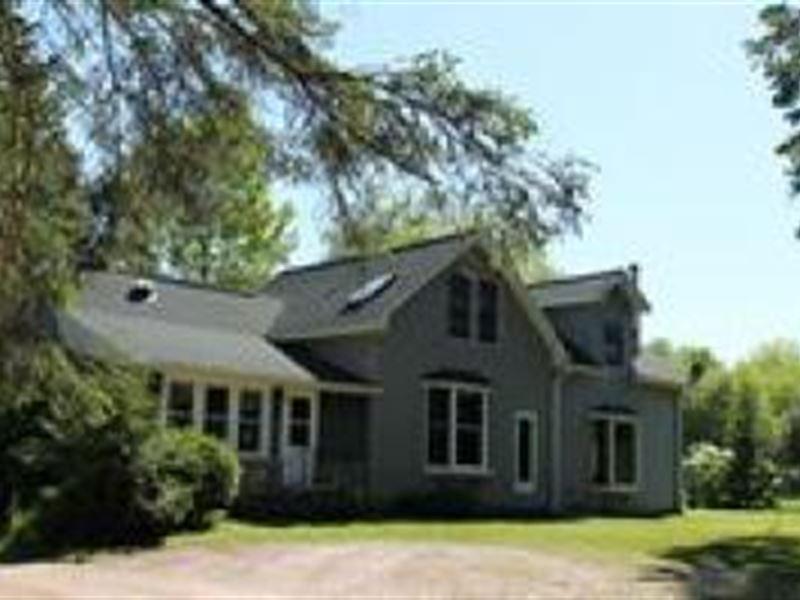 80 Acres 2 Barns 2 Homes Shop : Carney : Menominee County : Michigan