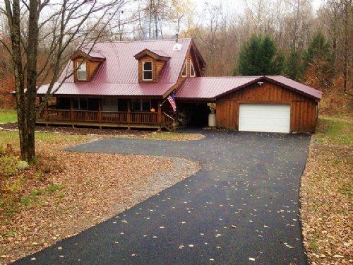 Log Home 4 Acres Wooded Land : Camden : Oneida County : New York