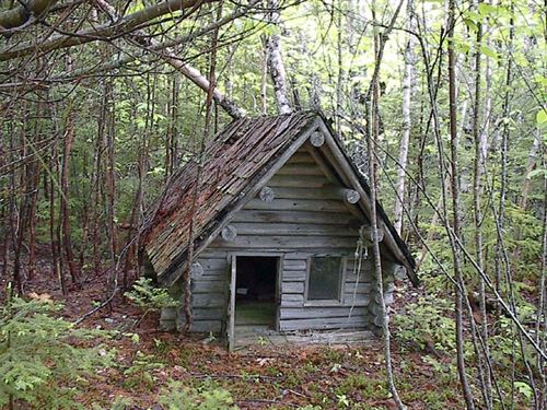 8 Acres Lease Only 1,995.00 A Year : Sherbrooke : Canada
