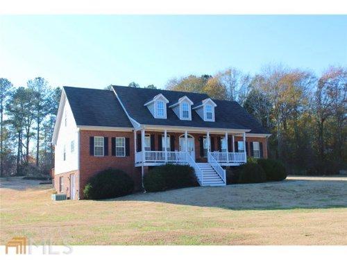 Traditional Home W/ Extra Acreage : Loganville : Gwinnett County : Georgia