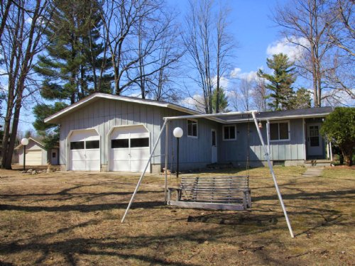 2 Bedroom Home On Crooked Lake : Atlanta : Montmorency County : Michigan