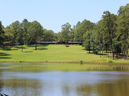 1,600 Acre Corprate Hunting Lodge : Burkville : Newton County : Texas