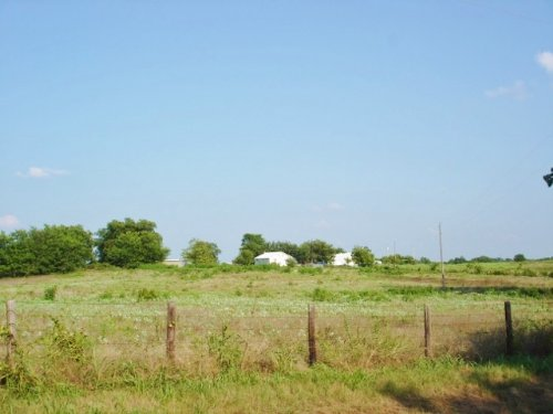 10 Gently Rolling Acres : Clarksville : Red River County : Texas