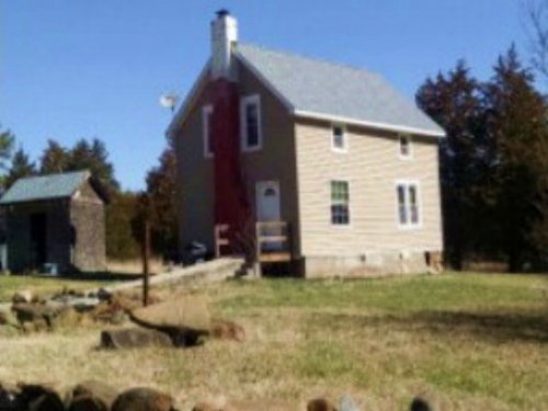 Storybook Charm : Farmville : Cumberland County : Virginia