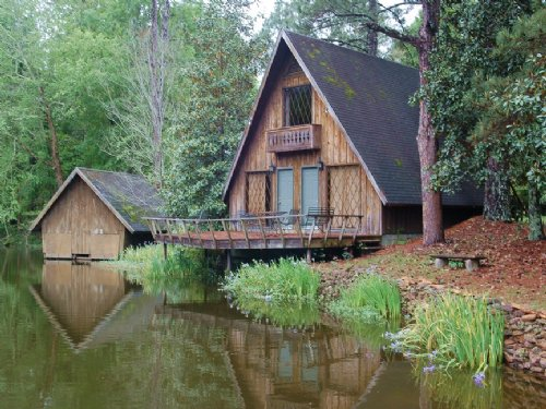 Great Honey Hole In The Black Belt : Union Springs : Bullock County : Alabama