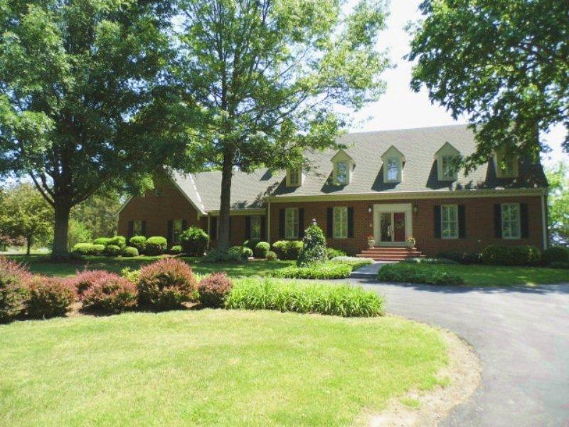 Royal Living : Farmville : Buckingham County : Virginia