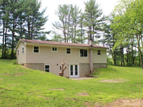 16+/- Acres, Ranch Home : Muncy : Lycoming County : Pennsylvania