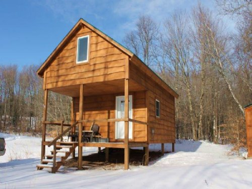 Cabin Near Oneida Lake 5 Acres : Amboy : Oswego County : New York