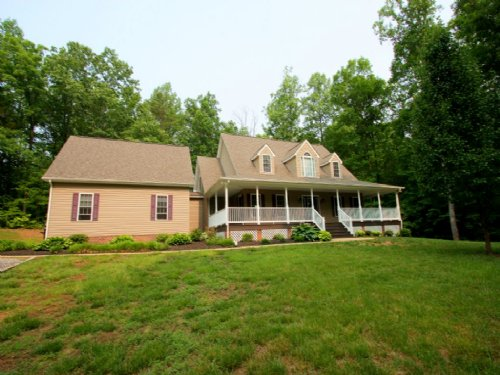 5.18 Acres W/ 2700 Sf Home : Powhatan : Virginia