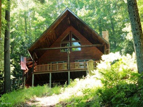 A Fishing Guides Dream Home : Newaygo County : Michigan