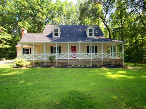 Lovely Renovated Home On 3.71 Acres : Powhatan : Virginia