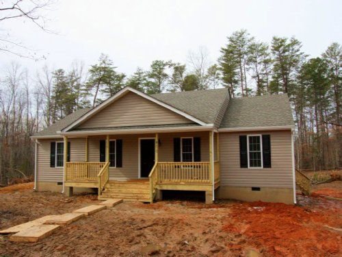 New Construction On 4.25 Acres : Bumpass : Louisa County : Virginia