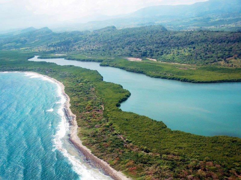 Dominican Republic Beachfront : Puerto Plata : Dominican Republic