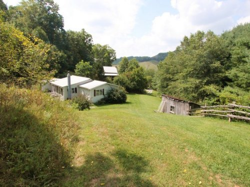 Blue Ridge Mountain Farm : Mouth Of Wilson : Grayson County : Virginia