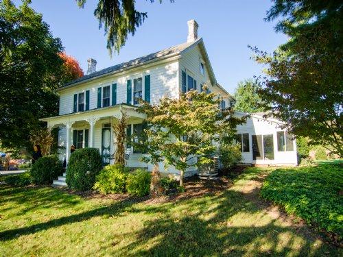 A Gentleman's Farm Awaits : Harpers Ferry : Jefferson County : West Virginia