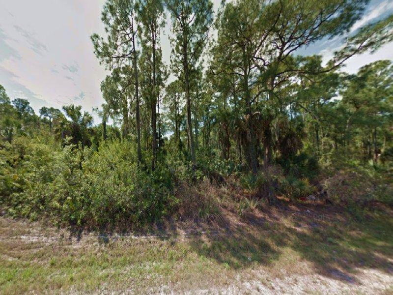0.28 Acre Lot For Sale : Port Charlotte : Charlotte County : Florida
