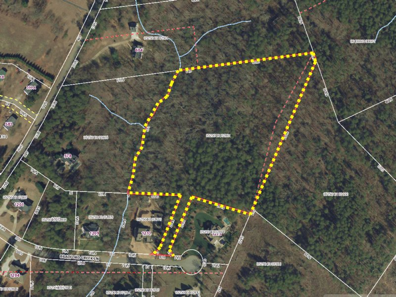 Beautiful Wooded 7.74 Acres Lot : Taylors : Greenville County : South Carolina