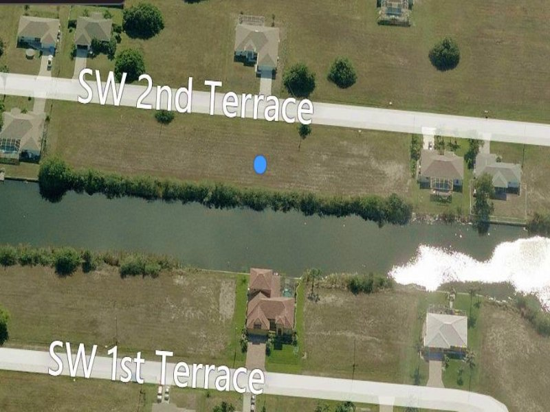 Freshwater, Triple Lot : Cape Coral : Lee County : Florida