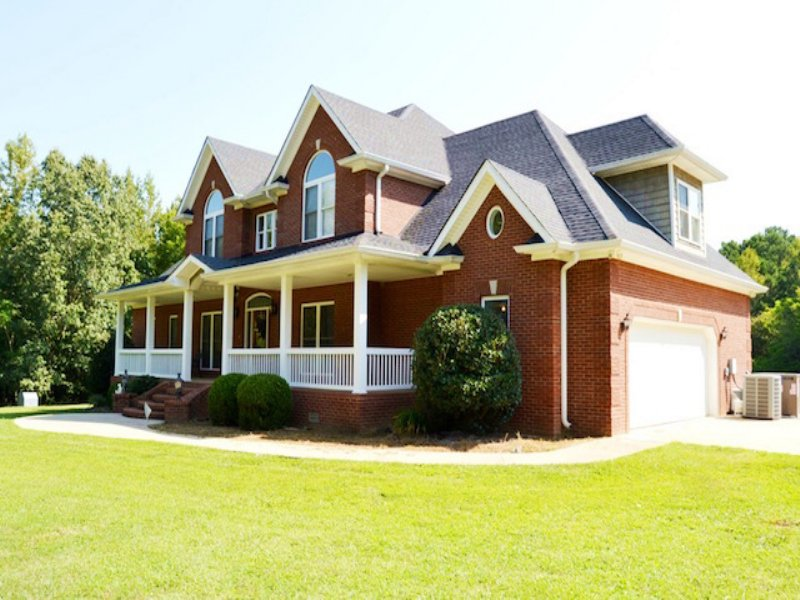 5 Bed/3.5 Bath Home On 10 Acres : Paris : Henry County : Tennessee