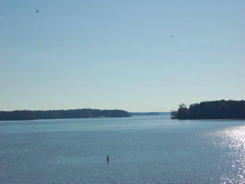 Lake Front Retreat : Lagrange : Troup County : Georgia