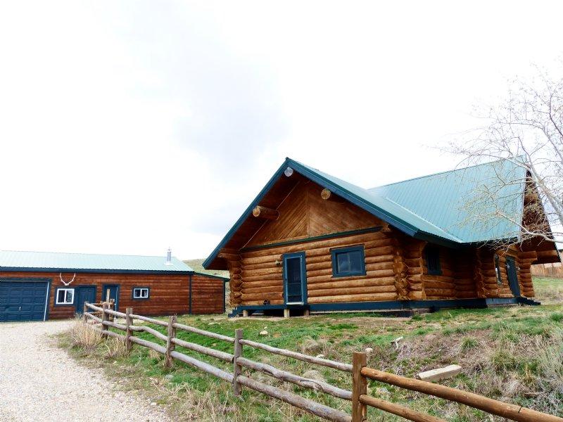 Log Home And Land : Craig : Moffat County : Colorado