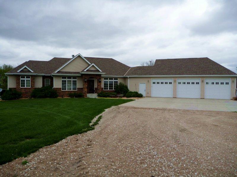Platte River Bluff Home And Farm - : Clarks : Polk County : Nebraska