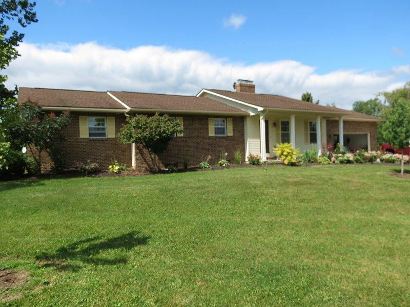Prestiguious Rural Estate On 18ac. : Marysville : Union County : Ohio