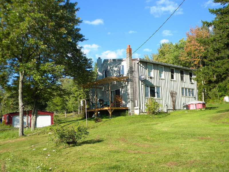 House With Fenced Area For Horses : Chemung : Chemung County : New York