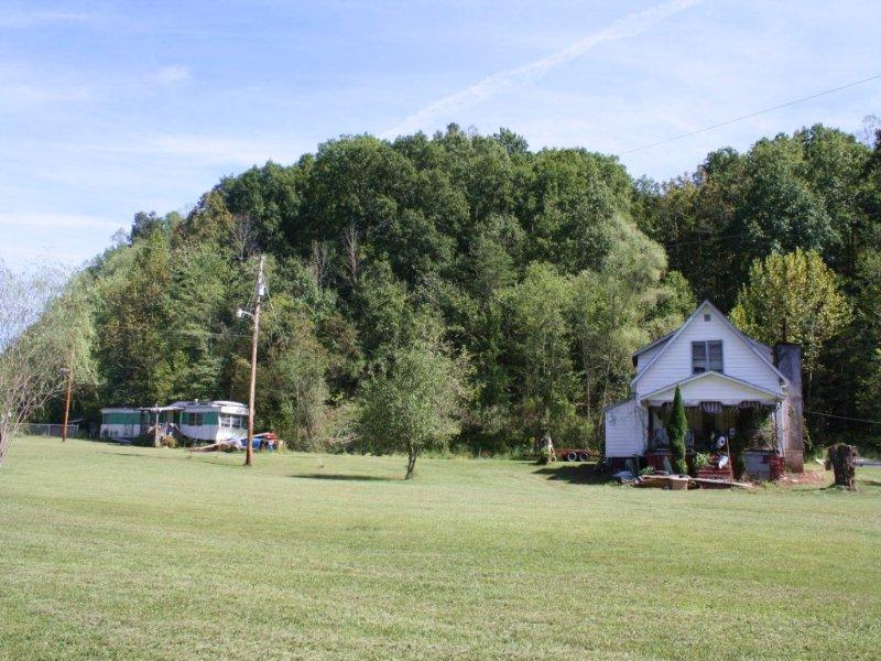 17 AC Beautiful-Flat w/Older Home : Amma : Roane County : West Virginia