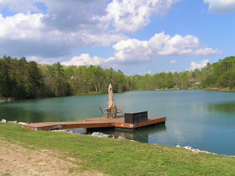 You Own The Lake - Log Home : Dunlap : Sequatchie County : Tennessee