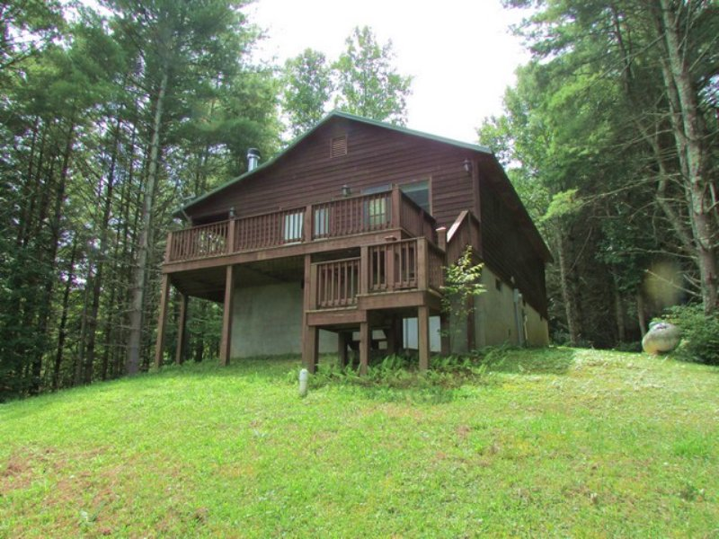 Mountain Home / Retreat And Acreage : Troutdale : Grayson County : Virginia
