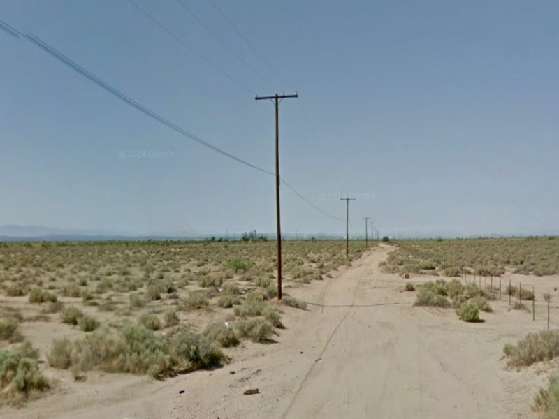1.25 Acres Of Land With Road Access : Lancaster : Los Angeles County : California