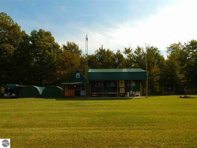 Bay De Noc All Season Camp : Rapid River : Delta County : Michigan