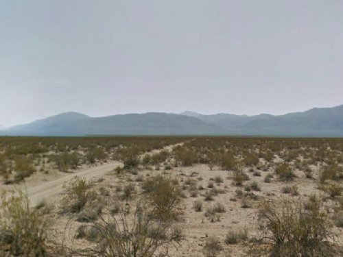 2.5 Acre Residential Lot With Road : Mojave : Kern County : California
