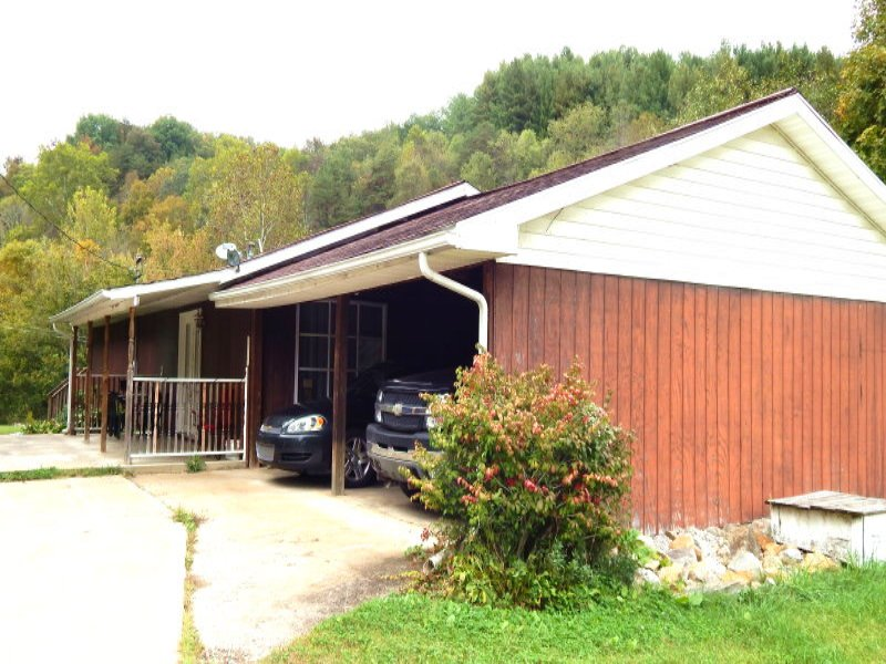 6.75 With Nice Home : Newton : Roane County : West Virginia