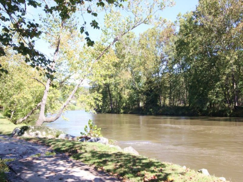 New River Frontage In : Independence : Grayson County : Virginia